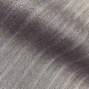 8800 - MID GREY FANCY HERRINGBONE LILAC PIN (250-280 grams / 8-9 Oz)