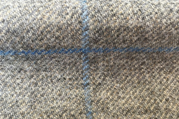 H2551 - Grey W/ Blue (425 grams / 15 Oz)