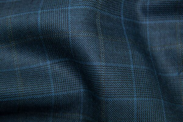 H5909 - LT NAVY TRAM PLAID W/ GOLD WINDOW PANE SKY CHECK (275 grams / 8 Oz)