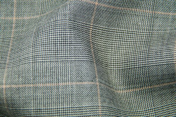 H5910 - LT GREY TRAM PLAID W/ SALMON CHECK (275 grams / 8 Oz)