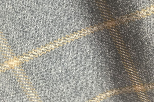 H7408 - MID GREY WITH BEIGE OVERCHECK (500 grams / 17 Oz)