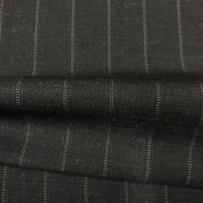 SAL62 - Extrafine 100% Merion Wool Charcoal Fancy White Pin