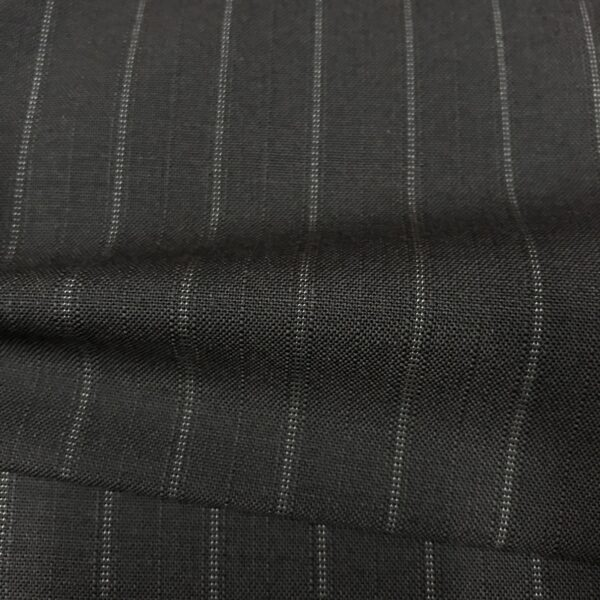 SAL63 - Extrafine 100% Merino Wool Black W/ White Pin